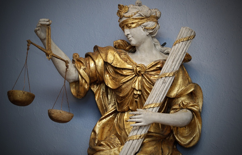830x532_allegorie-justice-restauree-installee-musee-hospice-comtesse-lille